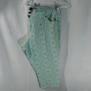 Torrid Woman Capris Size :,24 Color: Multiple NWOT